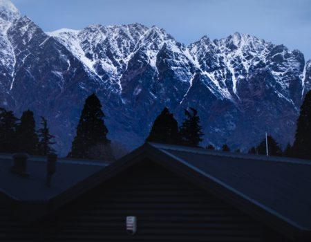 queenstown house remarkables backdrop